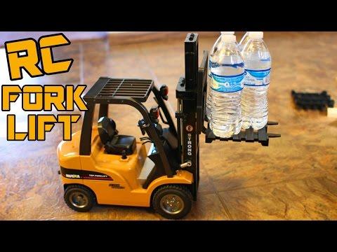 Big RC ForkLift / Crane Review SUPER REALISTIC -1/10 Scale Aluminum Alloy HUINA 1577 - TheRcSaylors