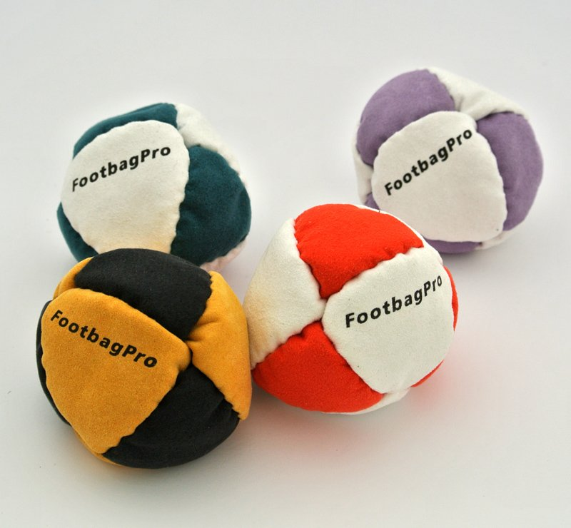 8 sektion Footbag Pro pallo-Ruskea-Musta-Hiekkatäyte (60 grammaa)